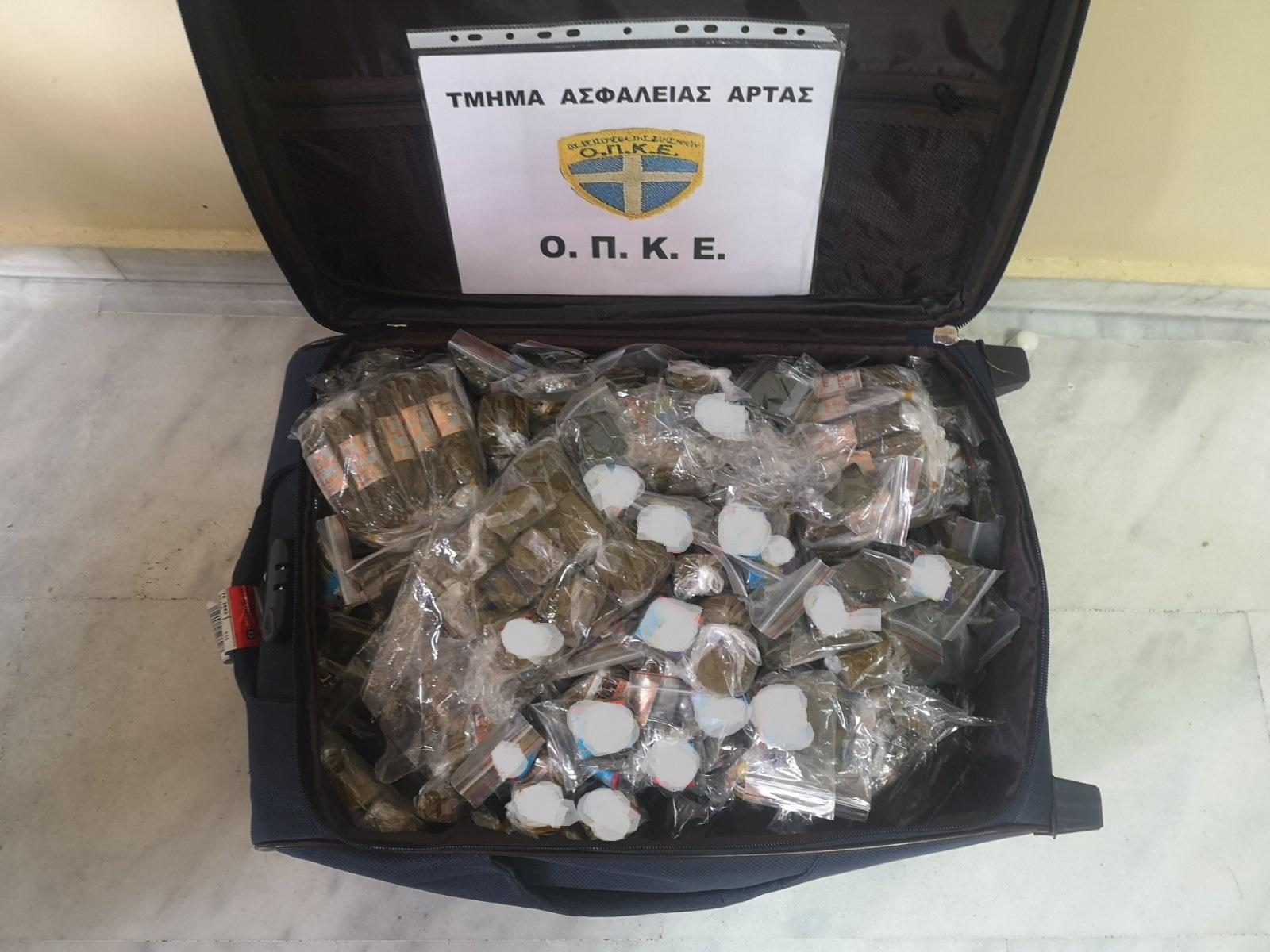 Άρτα: Συνελήφθη για λαθρεμπόριο καπνικών προϊόντων