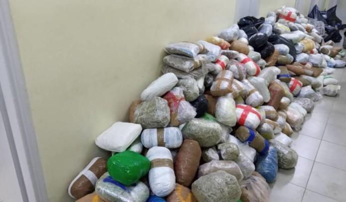 Θεσπρωτία: «Πιάστηκε» φορτηγό με 800 κιλά χασίς