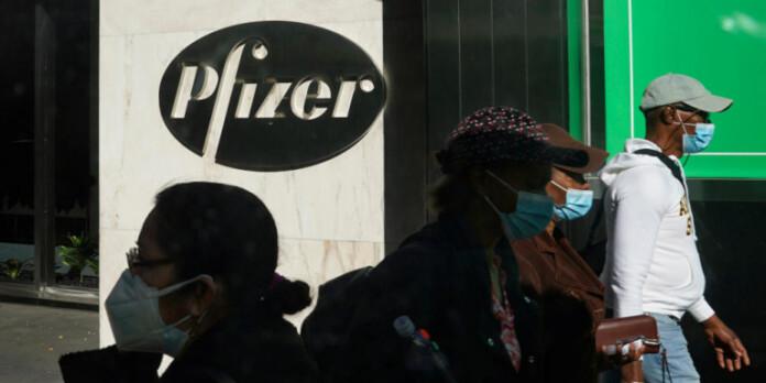 pfizer-logotypo-kosmos-maskes